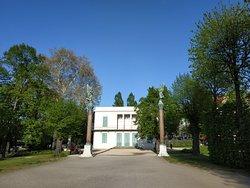 Neuer Pavillon im Schlosspark Charlottenburg