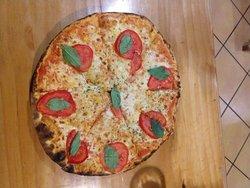 Restaurante incrível! Pequeno, aconchegante e com pizzas incríveis!