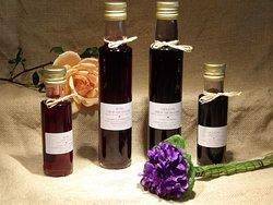 quelques spécialités à la violette fabriquées artisanalement à Tourrettes sur Loup