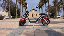 Visita los mejores rincones de Roquetas con las Electric Harley