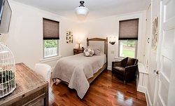 Second Twin Bedroom at Studio 555