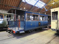 Een rijtuig van de koninklijke tram van Leopold II.