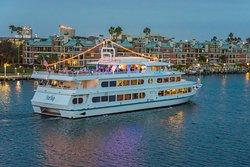 Yacht StarShip Dinner Cruise Tampa