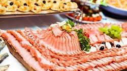 Hausgemachte Fleischspezialitäten .....