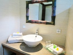 Bathroom in 2 Bedroom Private Pool  Hibiscus #02