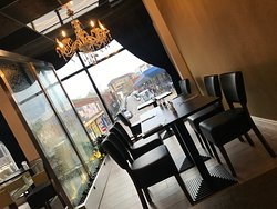 Steak & Lounge
