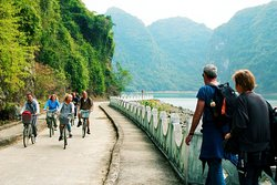 biking and trekking to Viet Hai village