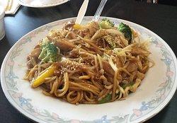 Yakisoba noodles w/chicken.