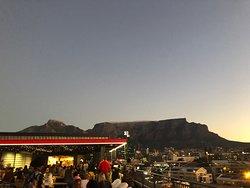 Belo por do sol, visão da Table Mountain