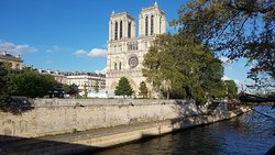 Notre Dame after the fire. The front side is for heavens sake quite OK but the back side is severly damaged.