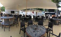 MAIANA CAFÉ - Notre Terrasse arrière...