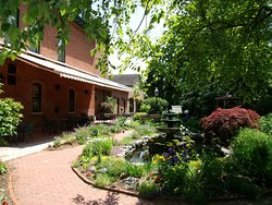 Warfield's garden in bloom.