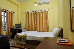 Comfortable room for Solo Traveler, Garden View Room