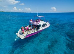 Divetech's dive boat - Atatude.