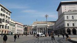 Piazza Raffaele De Ferrari