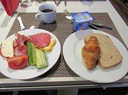 レストランの朝食