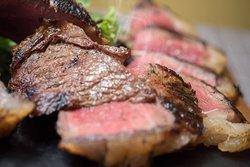 Dettagli della nostra carne appena grigliata.