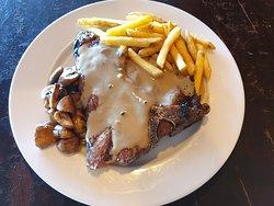 T-bone steak with pepper sauce, mmmmm!!