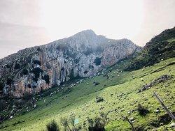 Sentieri dei Nebrodi sulle rocche del Crasto