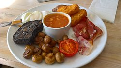 Full English. Choice between hash browns or sautee potatoes; black pudding was an optional extra.