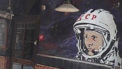 Cervezas por el primer hombre en el espacio.