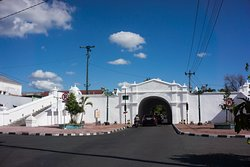 Nirboyo Gate