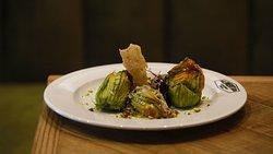 Fiori di zucca gratinati --- Flor de calabacin con queso de cabra y pistacho
