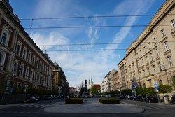 Imagem da Plac Matejki em Cracóvia, a partir do Barbacã.