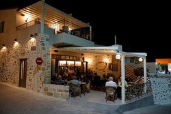 Dionysos Cafe - Bar
