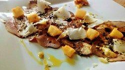 Pastrami,queso de oveja y patata confitada