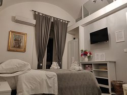 Tiny boutique B&B in the center of Naples.