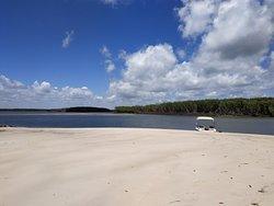 Praia do saco, ilha do sogro (a), mangue seco.