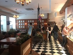 Lovely place with delicious food (пальчики оближешь)