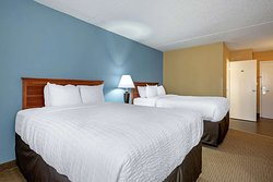 Spacious room with queen beds
