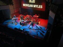 Vorgruppe Morgan Myles, optimale  Stimmungsanheizerin