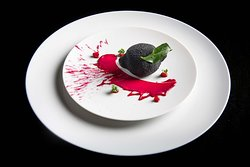 Foie Gras with beetroot and pomegranate at La Table Krug by Y
