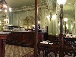 Un bouillon parisien typique..... et excellent !