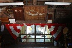舎人氷川神社(拝殿内部)