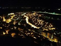 黄金色に輝くモディカの町