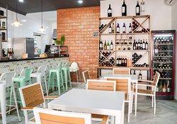 Bar Restaurante & Tapas Rayuela Mazagón