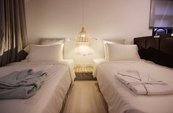 TWIN-BED ROOM