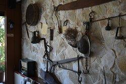 Παλαιά αντικείμενα της τοπικής κοινωνίας.