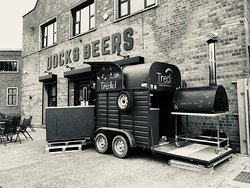Tredici mobile pizzeria available for all events