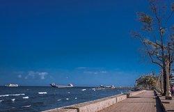 杜马盖地海滨大道