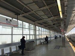 新幹線駅ホーム