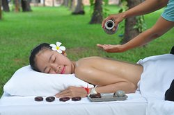 Relaxing Warm Oil with Ongkunh