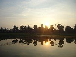 Cambodia Happy Tour