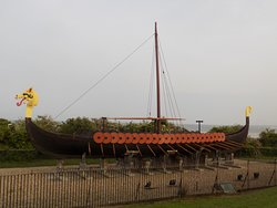 ‪The Viking Ship 'Hugin'‬