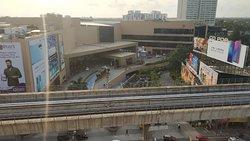 Best Hotel Near Lulu shopping Mall