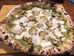 Una delle migliori pizze in città!